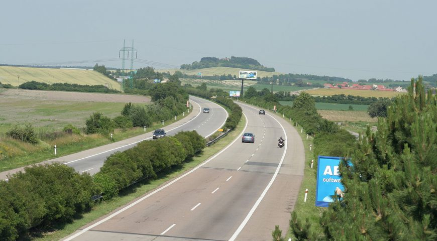 D11 kolem Jaroměře začne na jaře stavět firma Porr, práce u Hradce stojí
